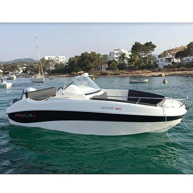 Remus 525 of Lizard Boats in Ibiza
